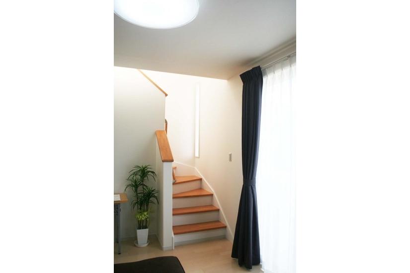 子どもと隣同士で歩ける階段