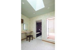 入浴後にゆっくりくつろげる美ファインバスルーム